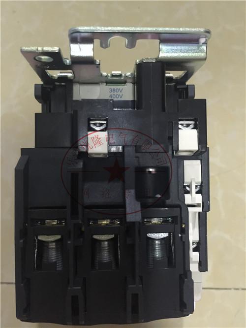 施耐德交流接触器LC1D300M7C