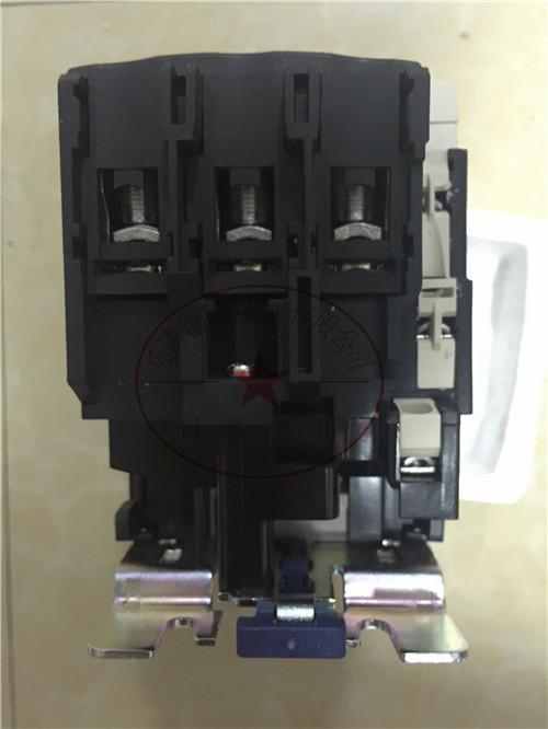 施耐德交流接触器LC1D245Q5C